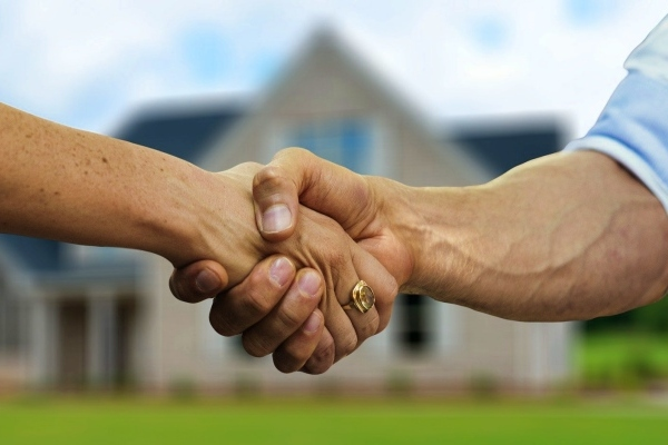 do you need a solicitor to sell a house